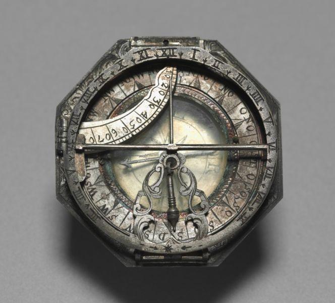 Оба инструмента хранятся в берлинском египетском музее , первый — под инвентарным номером , второй — под номером [3].