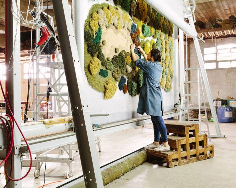 Картинки по запросу Уникальные ковры ручной работы, которые похожи на мох и лесные поляны